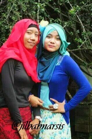 Foto Cewek Memakai Jilbab Cantik dan Seksi BnCuPrKCMAEkFiE
