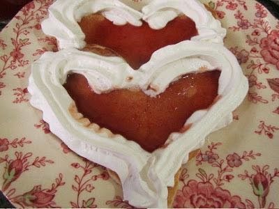 2 easy ways to make heart-shaped pancakes for Valentine's Day