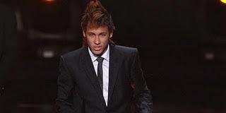 Neymar Persingkat Kontrak di Santos