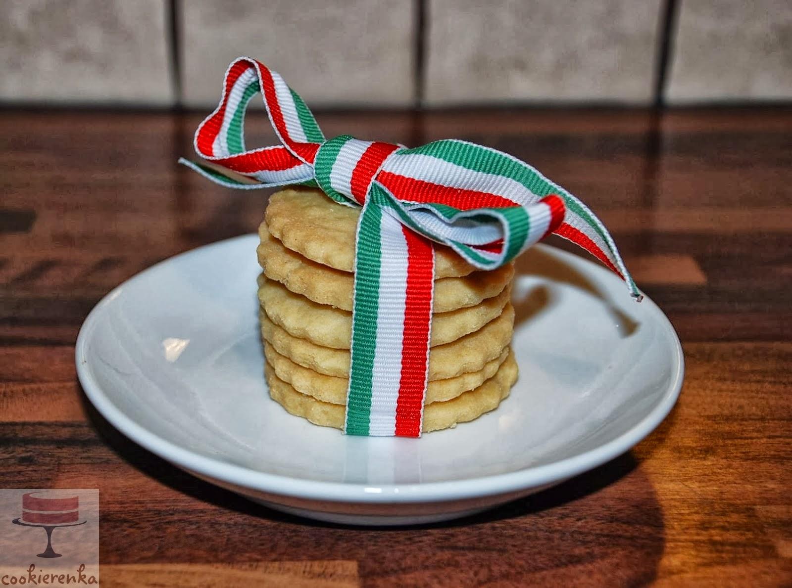 http://www.cookierenka.com/2013/10/proste-ciasteczka-maslane.html
