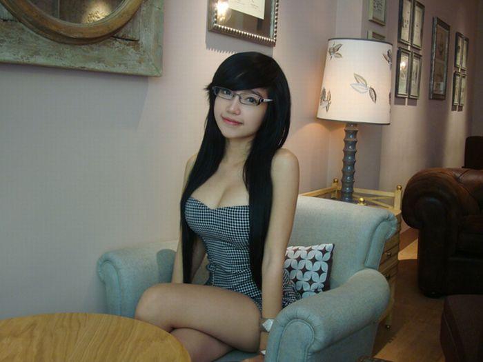 elly tran ha busty vietnamese teen 03