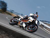 gambar motor 2 | 2012 KTM 990 Duke R
