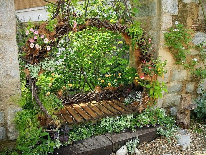 Bricolaje del agua c mo decorar tu jard n en la primavera - Decorar el jardin con poco dinero ...