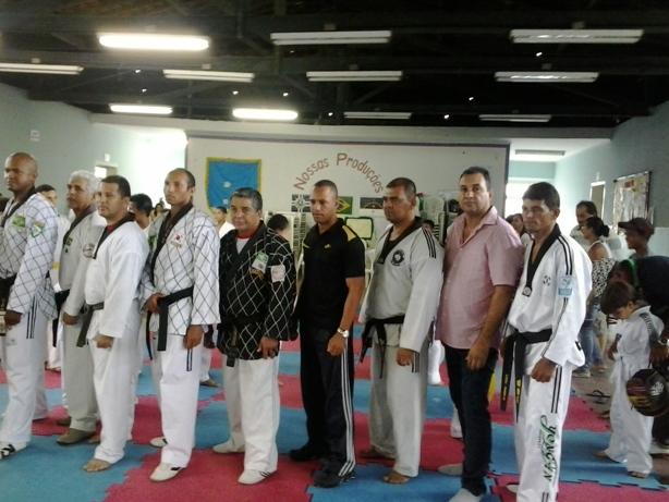 Taekwondo - Ex. Faixa Equipe Escada Prof. Sergio Pereira
