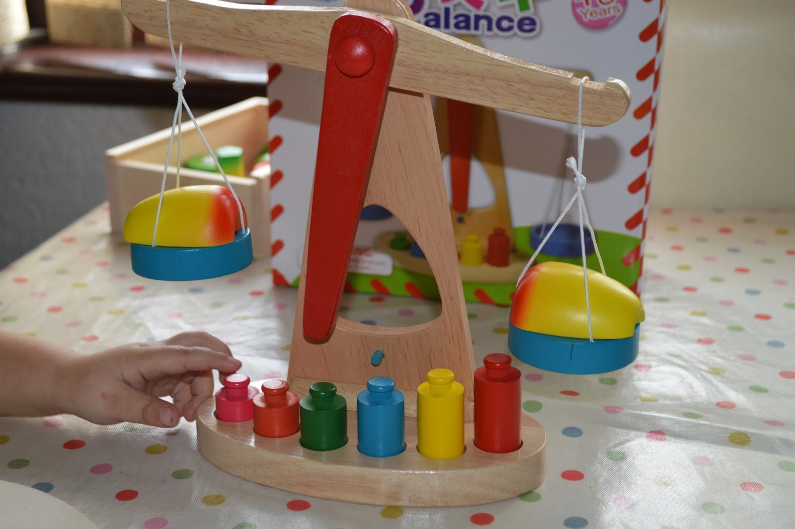 Izzy Toddler Play Wooden Toy Big Jigs Cutting Fruit Wooden Balance Scale
