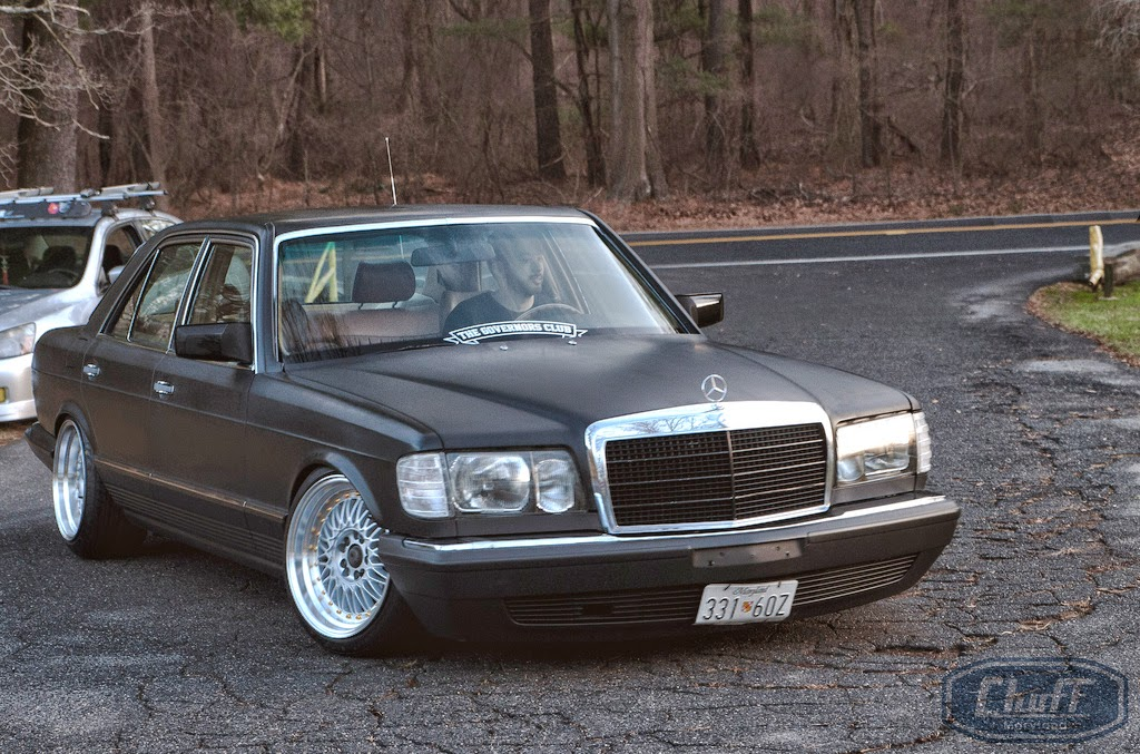 Mercedes benz w126 slammed on cnt racing wheels benztuning for Mercedes benz w126