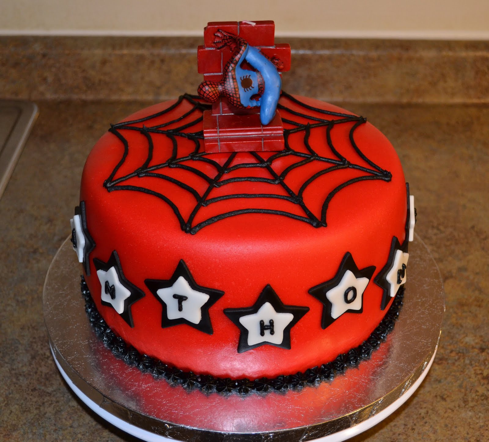 Images For Spiderman Cake : SweetCakeRN: Spiderman Cake