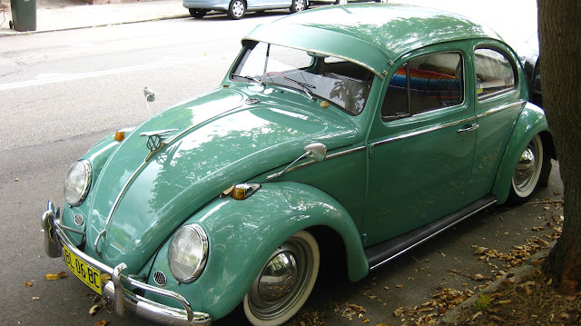 aussie  parked cars  volkswagen beetle