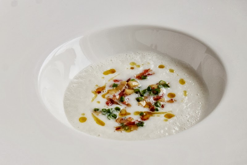 Delicious Tapas: Jerusalem artichoke soup with parsnips & salami #118