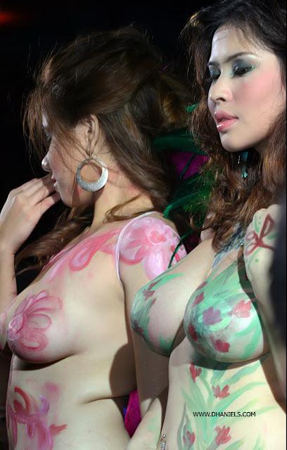 Cewek Model Body Painting Hampir Bugil Cewek Model Body Painting Tanpa Sensor