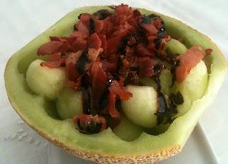Ensalada de melón con crujiente de jamón serrano