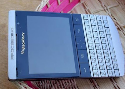 ¿Nuevo Blackberry 9980?