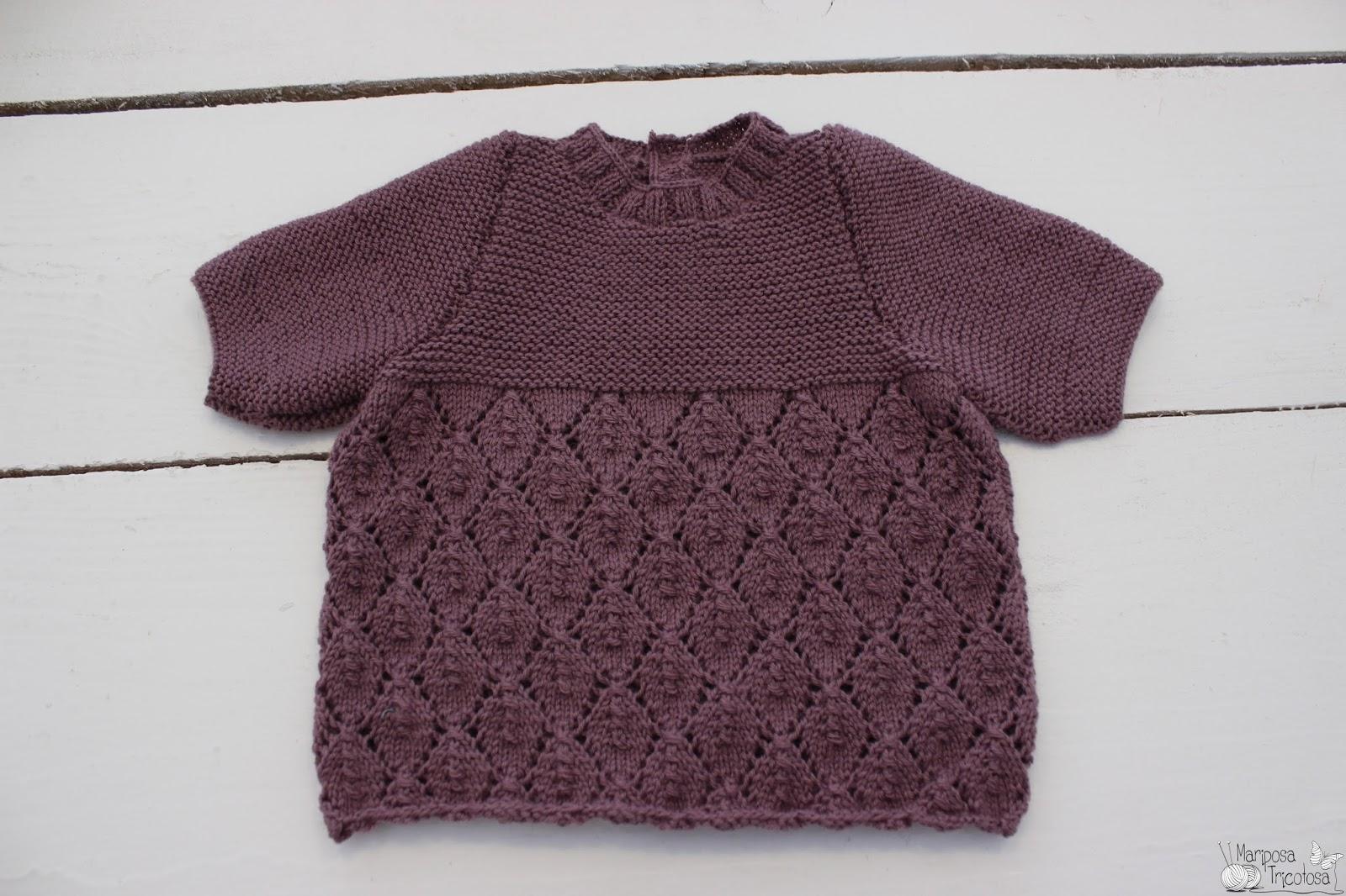 mariposa tricotosa: Durante el verano...jersey de bebé con calados