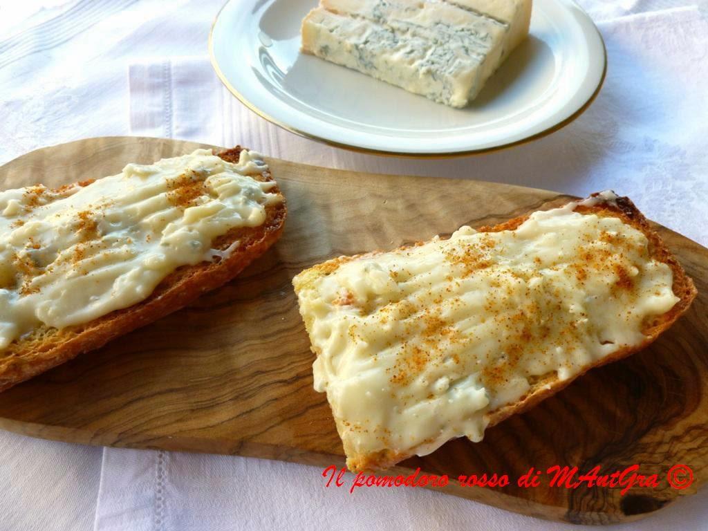 crostoni di formaggi