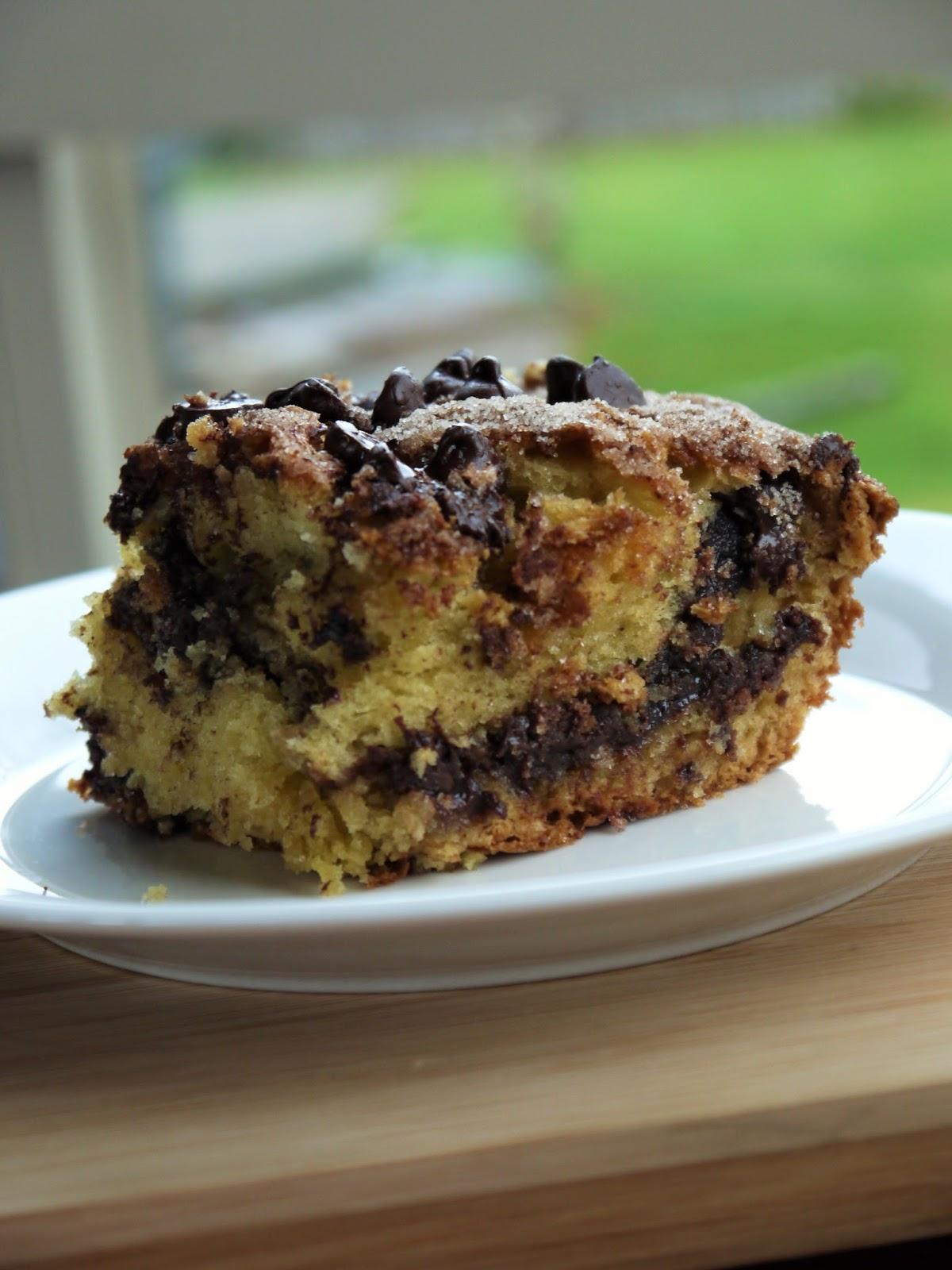Clockwatching Tart: Chocolate Chip Sour Cream Coffee Cake