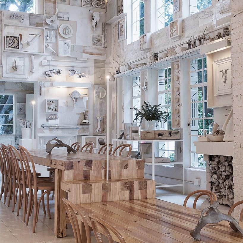 gaya-interior-dan-dekorasi-unik-ribuan-tulang-hewan-di-rumah-makan-Hueso-012