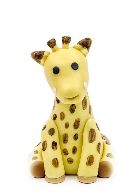 Giraffe Sophie fondant figurine front