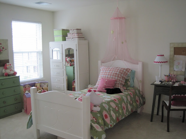 girls room re-do by Jodie Okun in Lake Ridge VA