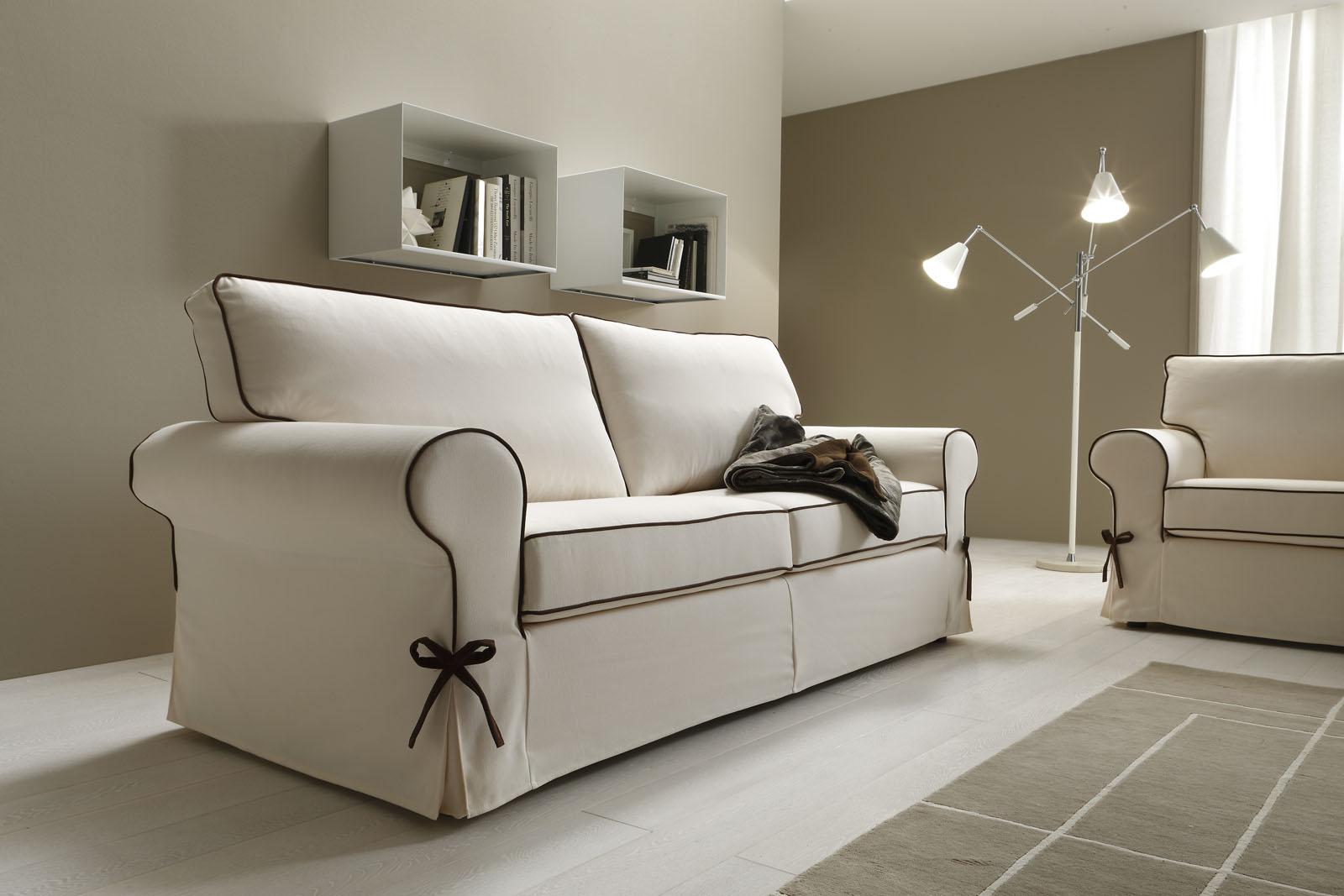 Divani blog tino mariani moda e tendenza arredare il salotto con il bianco for Divani e divani divani letto