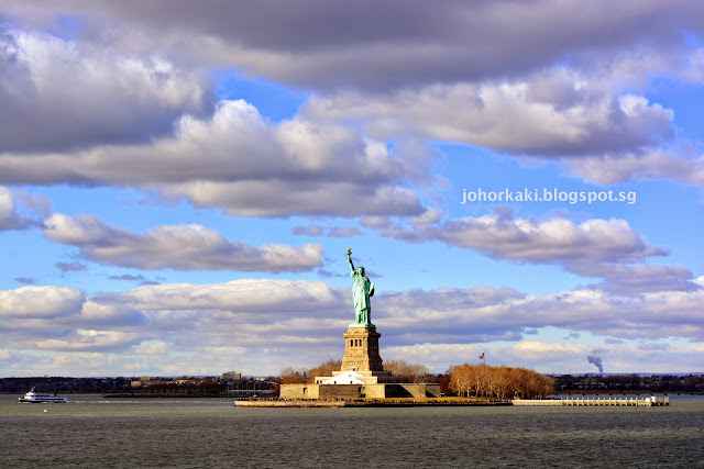 Statue-of-Liberty-from-the-Staten-Island-Ferry-NYC-New-York