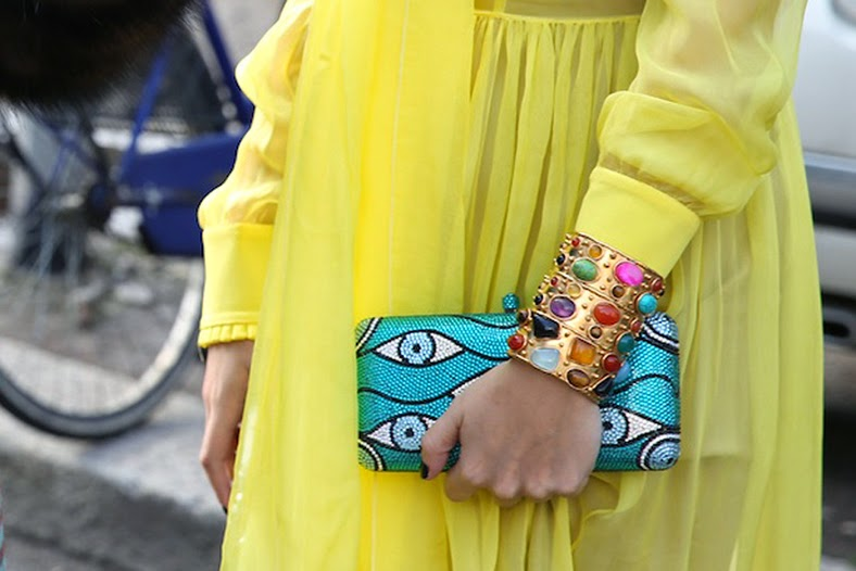giallo colore dell'estate 2014 abbinamenti con il colore giallo come abbinare il giallo outfit in giallo immagini di outfit in giallo street style giallo how to wear yellow fashion blogger italiane colorblock by felym fashion blog di mariafelicia magno mariafelicia magno blogger di colorblock by felym borse gialle estate 2014 abiti gialli estate 2014 giallo street style primavera estate 2014 blog di moda colorblock by felym outfit in giallo street style