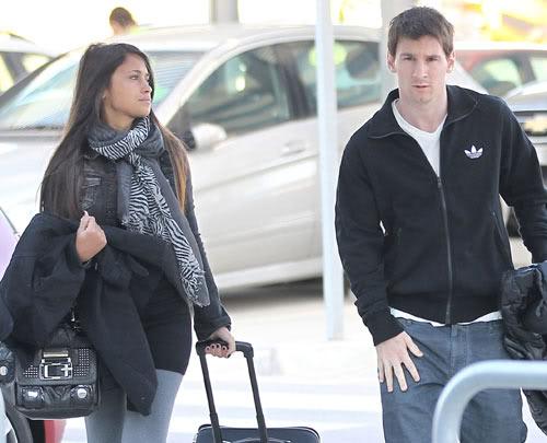 Lionel Messi And Antonella Roccuzzo 2012 Football Super Star Pl...