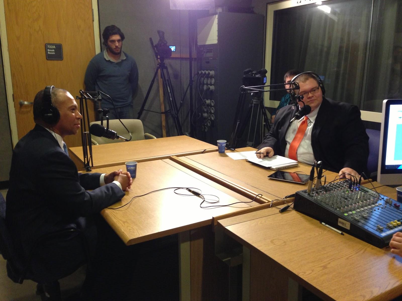 http://4.bp.blogspot.com/-3ZkwxipElEw/UQwcwIECFmI/AAAAAAAAA4A/vlNXSXyf50c/s1600/patrick+radio+interview.JPG