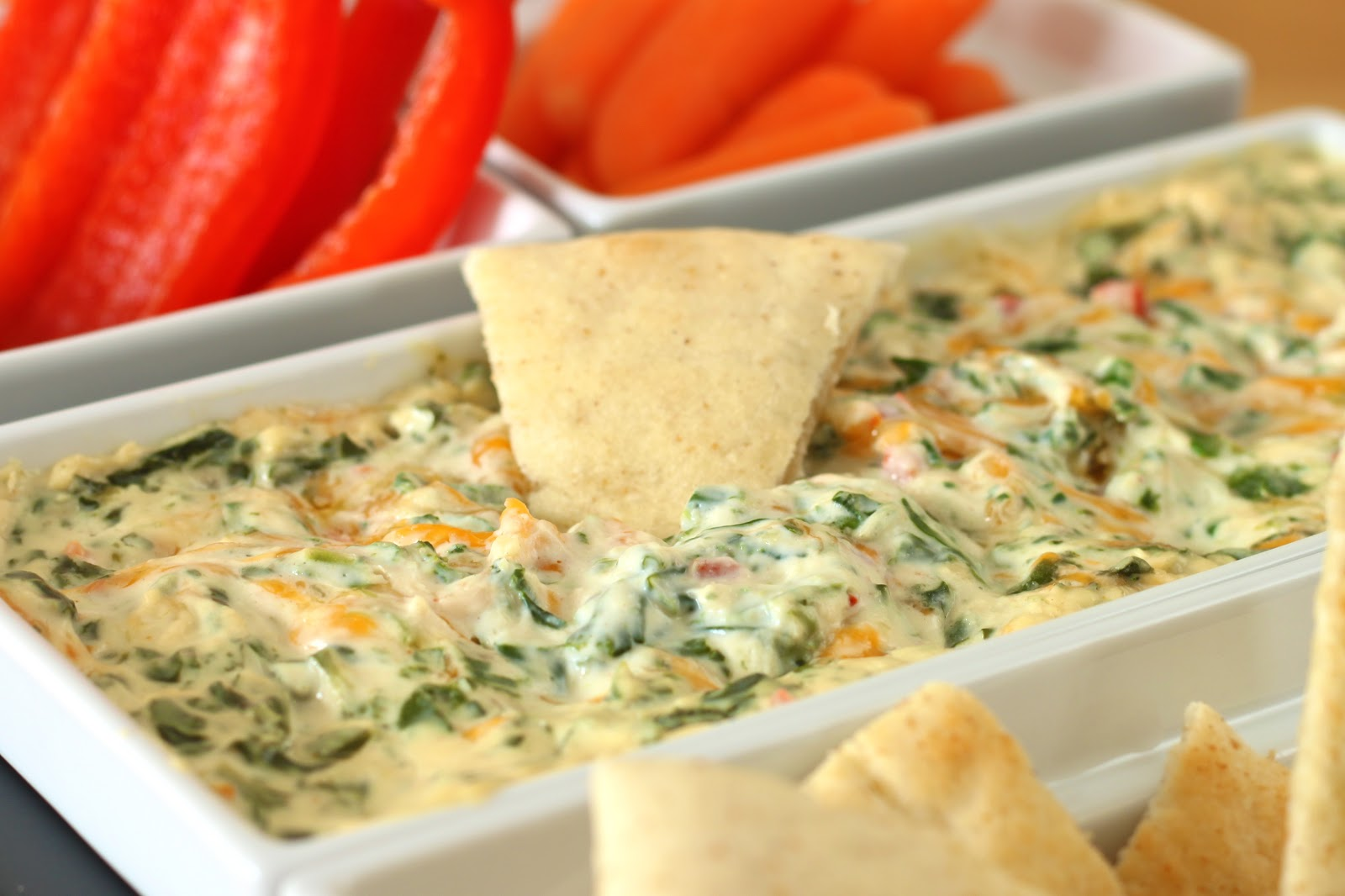 YUMMY RECIPEZZ: Four Cheese Spinach Dip