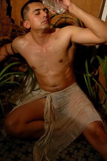 Sey Naked South Asian Men
