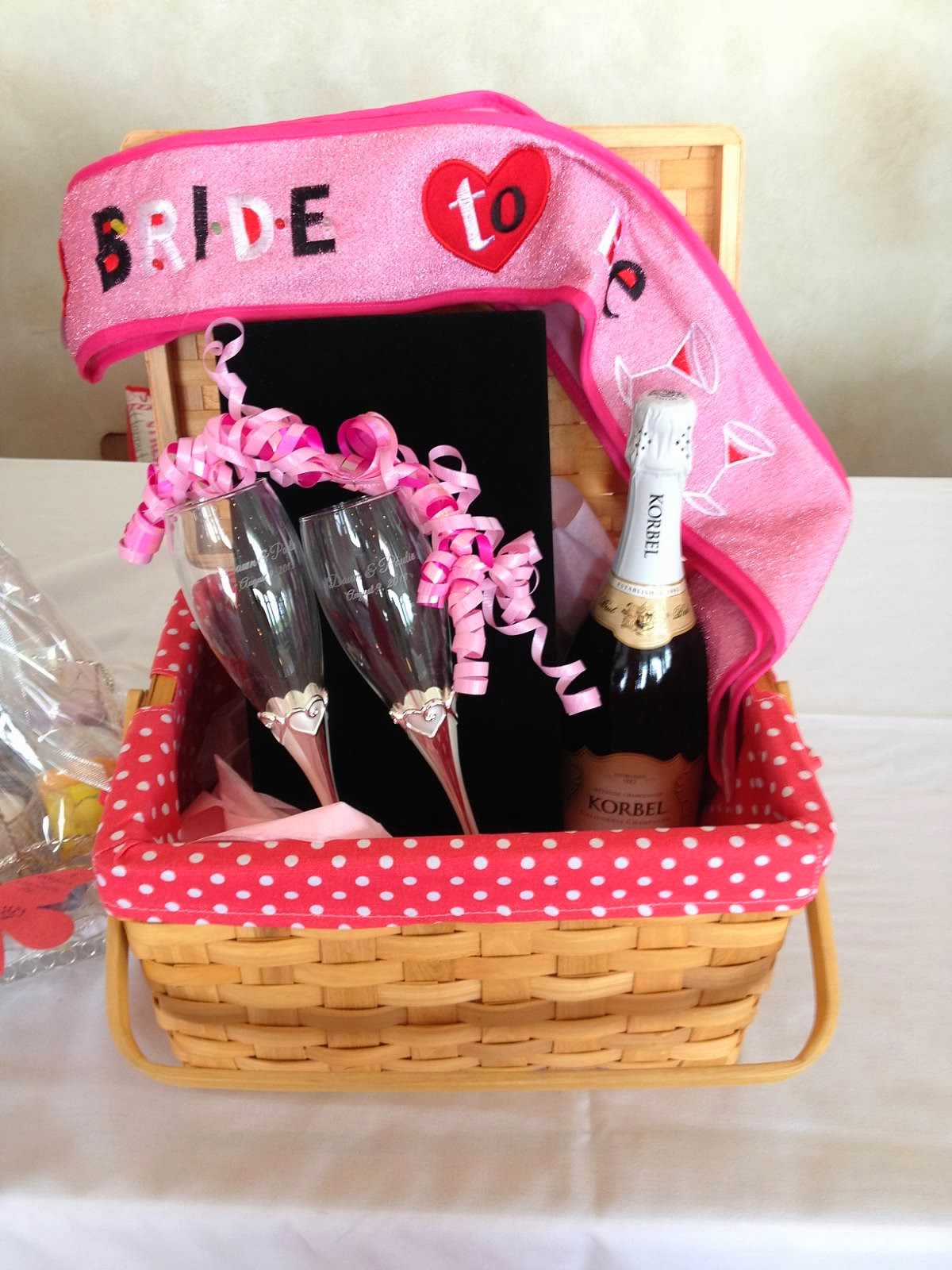 ... : Wedding Wednesdays: Bridal Shower Fun! Holiday Season Gift Baskets