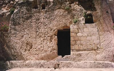 http://4.bp.blogspot.com/-3_LDZN48LuU/T4HeWf248jI/AAAAAAAABTU/38wVnhKKDE0/s1600/tumulo+de+jesus+006.jpg