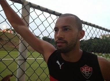 Kadu aguarda rescisão do Vitória para se apresentar ao Joinville