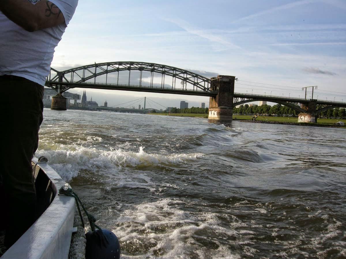 Und leise plätschert der Rhein