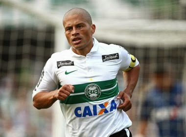 Alex oficializa aposentadoria contra o Bahia