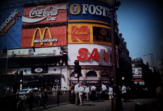 Piccadilly Circus in 1990
