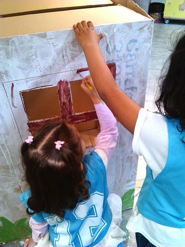 Salas infantiles omniocio casita de cart n reciclada for Casitas infantiles carrefour