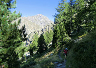 Start of the ascent from the Gordolasque valley