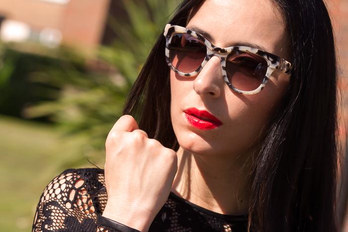 Sunglasses PRADA PR 27PS in KAD0A7 (White Havana) vía SOLEXTREM