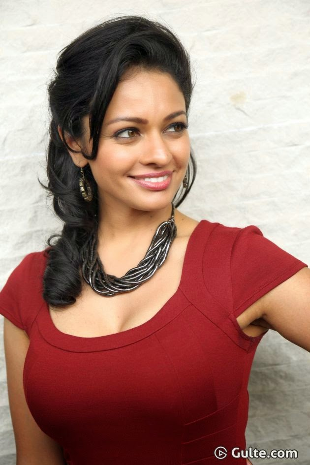 Pooja Kumar hot photos