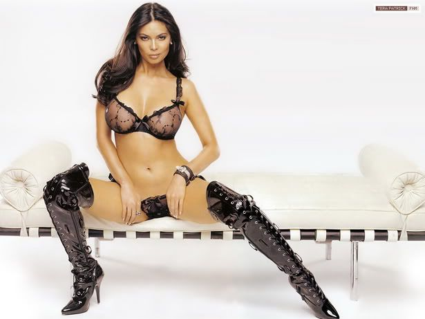 Tera Patrick sexy in swimwear