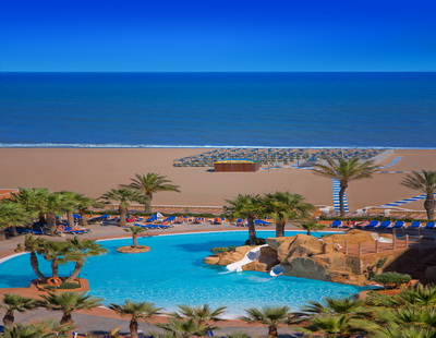 Informaci n de viajes vacaciones al sol en roquetas de mar for Hoteles junto al mar