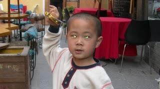 1.Nong Youhui: Anak laki-laki Cina dapat melihat dalam gelap