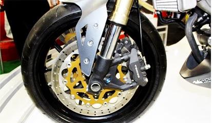 Tips dan Cara Mudah Cek Kondisi Kaliper Rem Cakram Motor