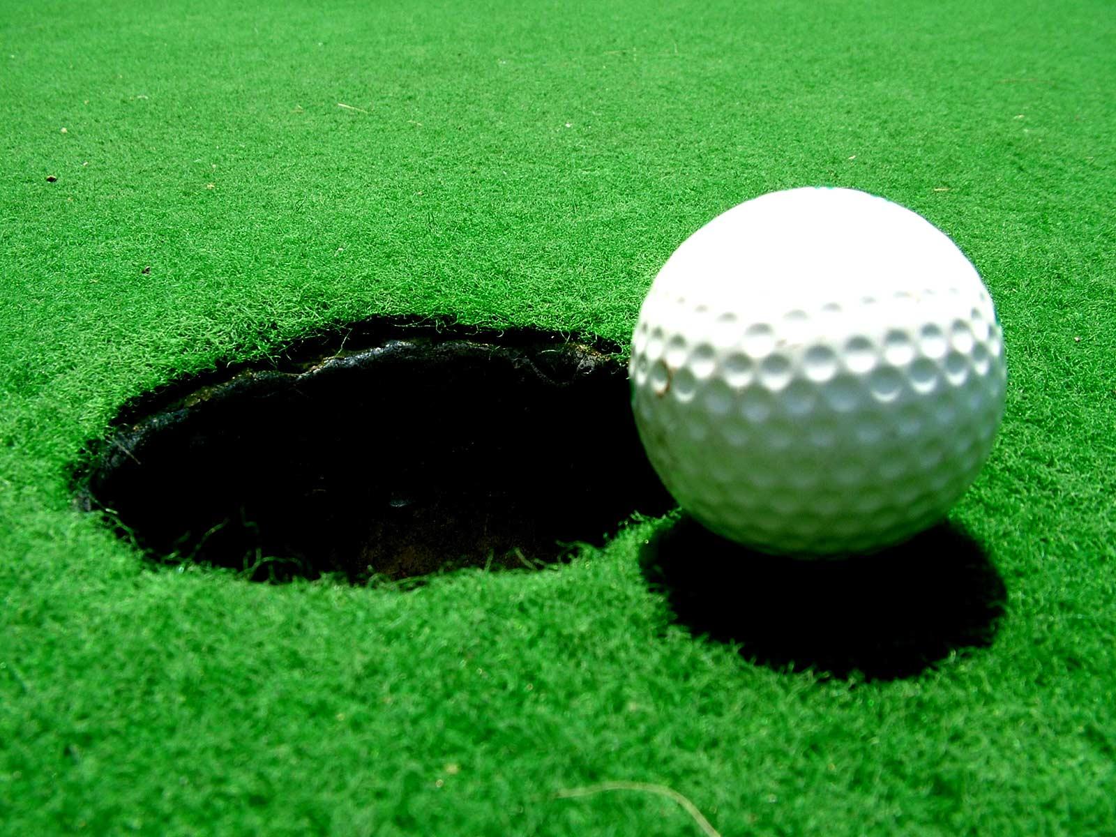 http://4.bp.blogspot.com/-3afmUViJ_jE/TjNjWOkFipI/AAAAAAAAANQ/CKDUDQOcgUs/s1600/Golf-Desktop-Wallpaper.jpg
