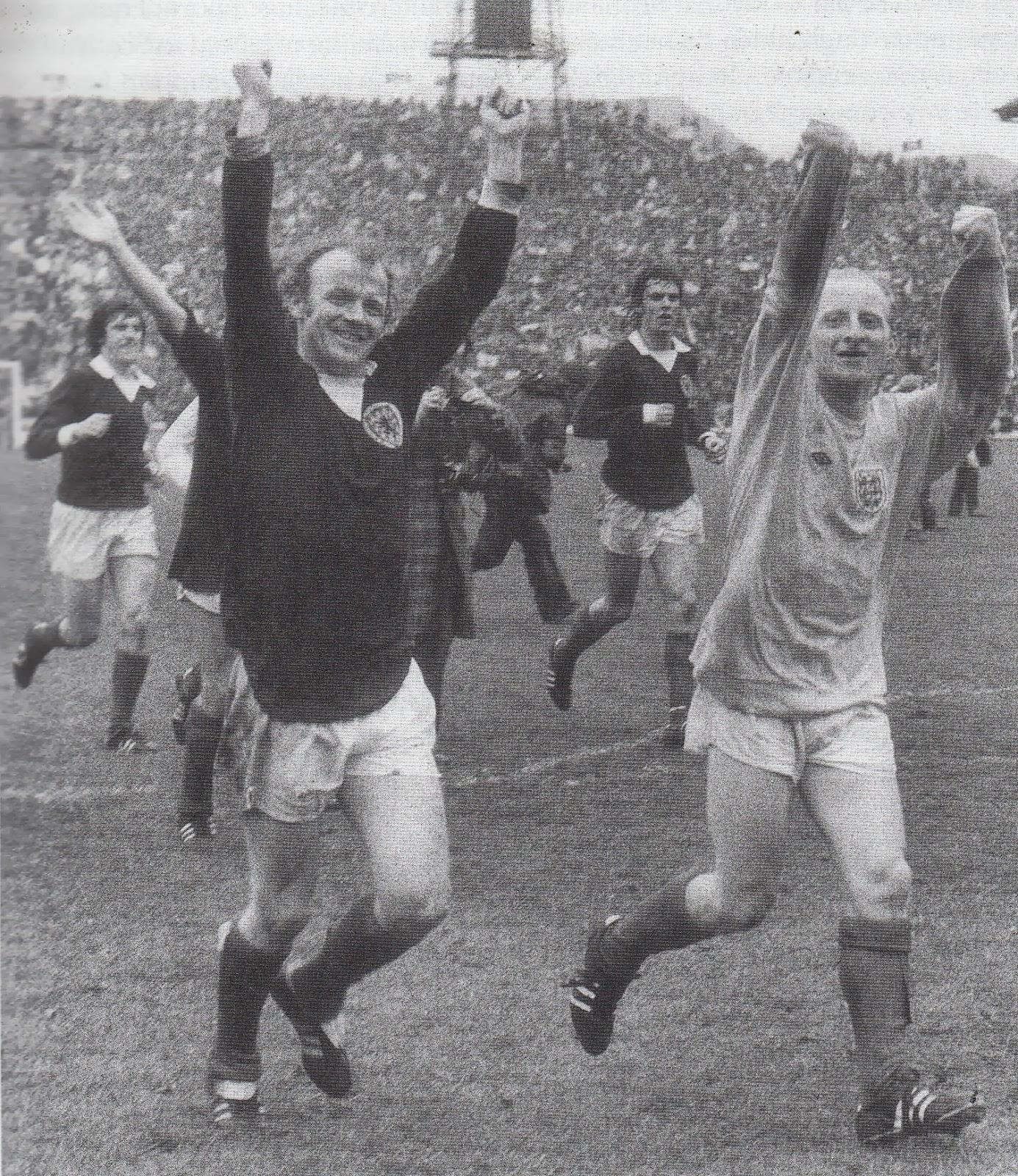 Soccer Nostalgia: Old Match Photographs-Part 19d