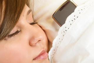 """bintancenter.blogspot.com - """"Tidur Suka Bawa Hp """" Akan Menimbulkan Penyakit"""