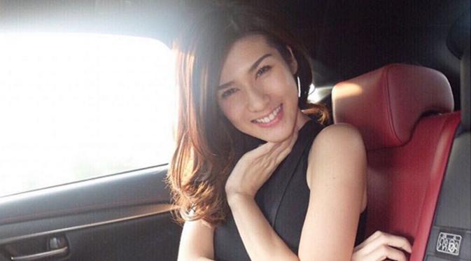 Foto Istri Samuel Rizal