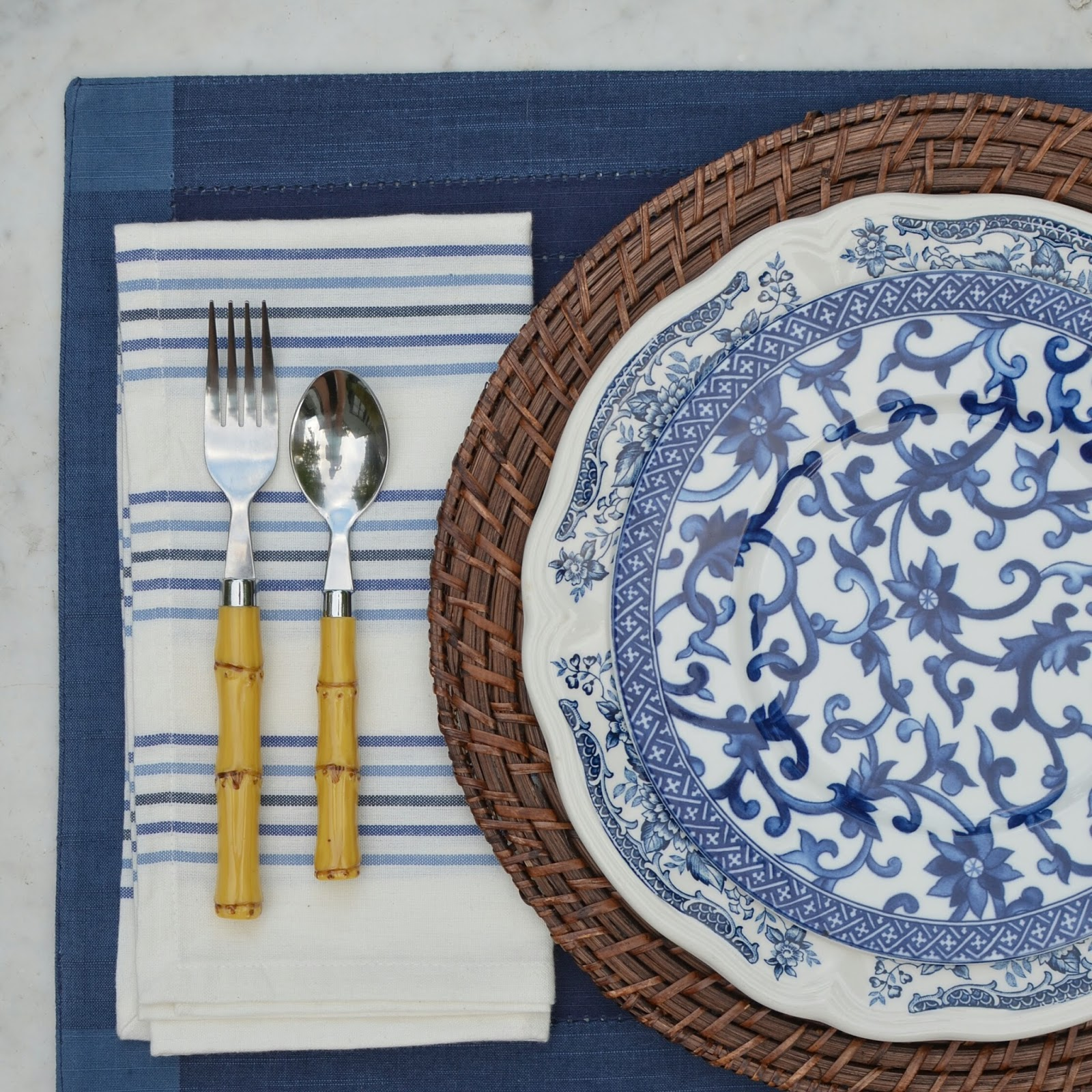 blue and white table setting & tickled pink: Summer Table Settings