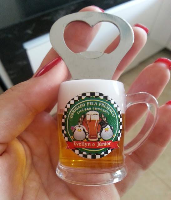 Chá bar evellyn e Junior, tema boteco, muito DIY, lembrancinhas, abridor de garrafa