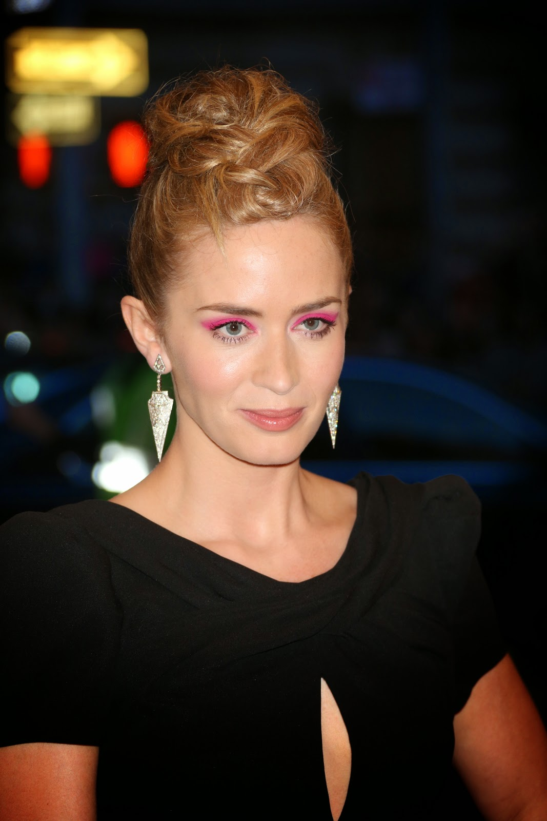 Emily Olivia Leah Blunt HD Pictures | HD Wallpapers of Emily Blunt